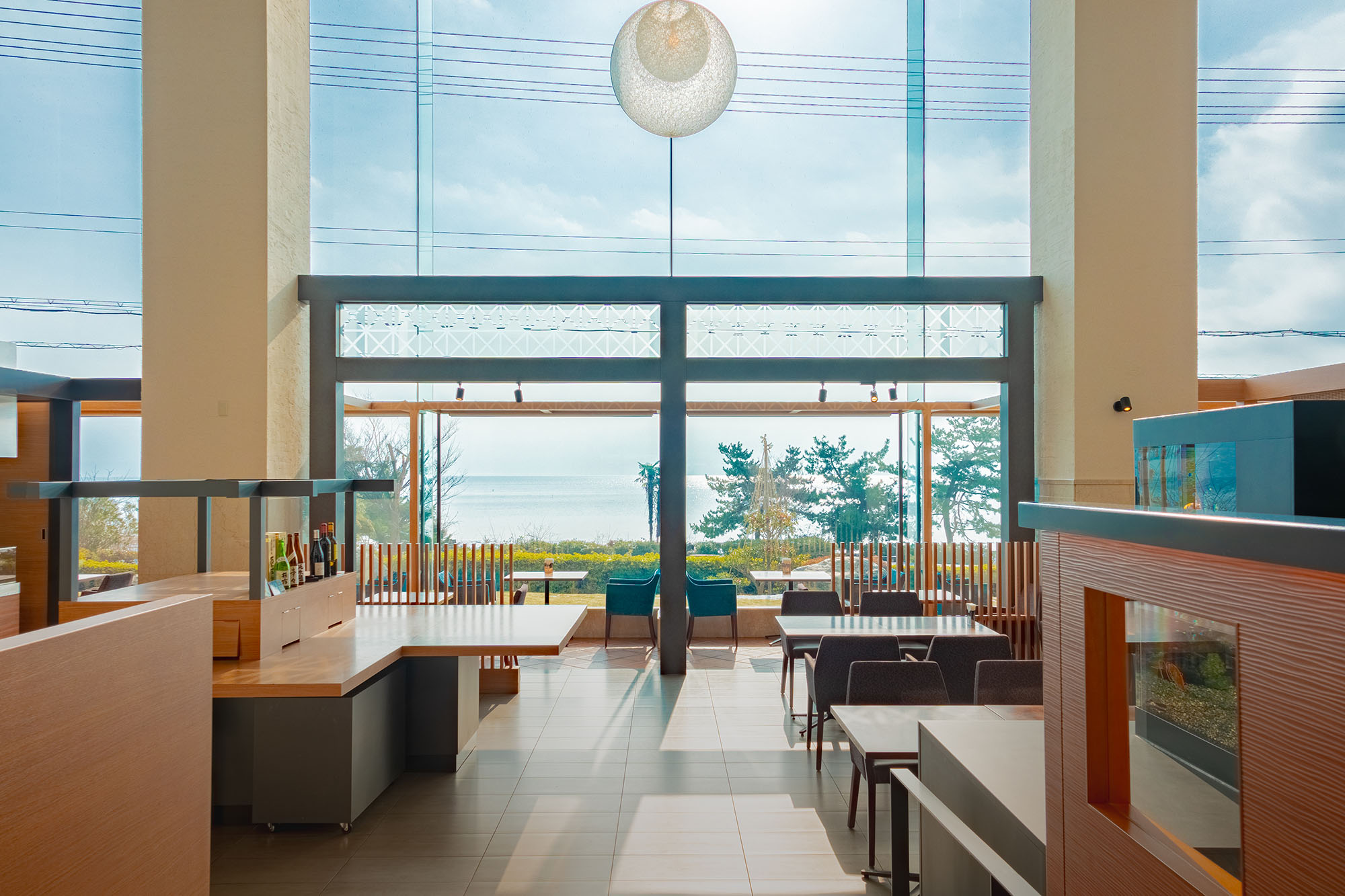 Restaurant with a view of Lake Biwa