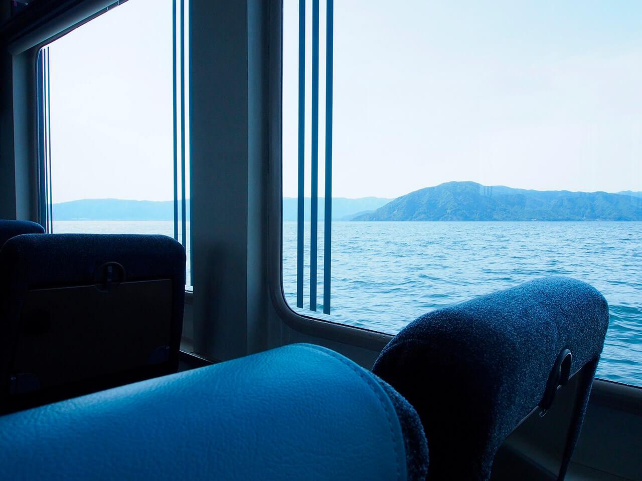 観光船で竹生島へ