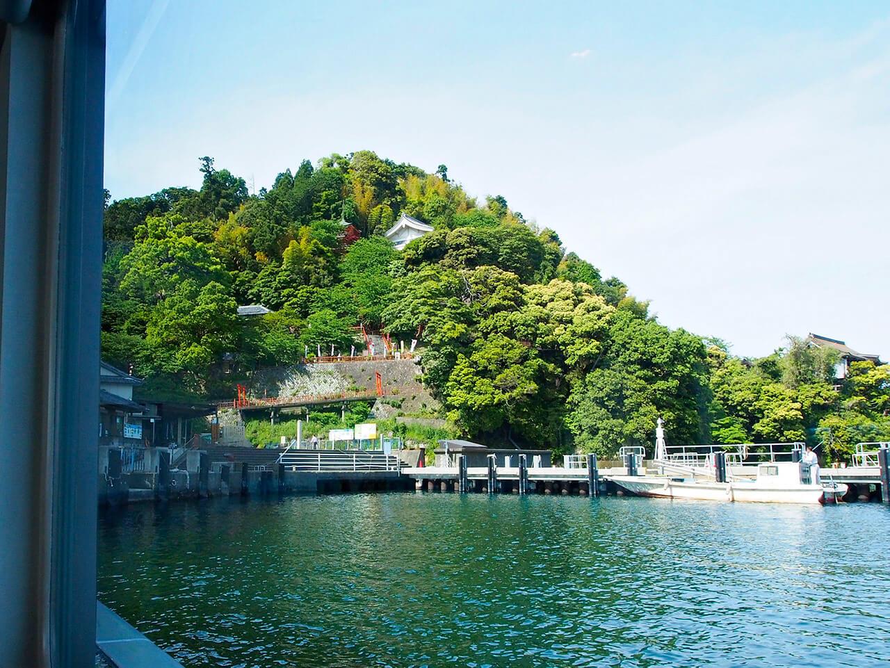 神秘の島、竹生島