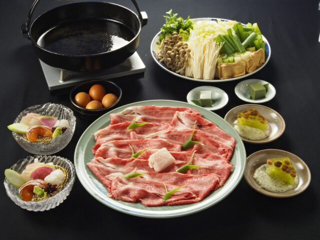 【マイクロツーリズム】日本三大銘柄牛「近江牛」たっぷり200gのすき焼き鍋付き宿泊プラン 2食付