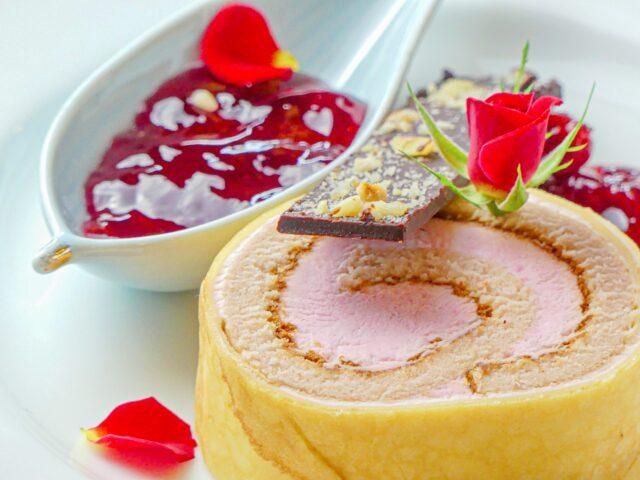 パティシエ特製「幻の果実でつくったロールケーキ」はいかがでしょうか